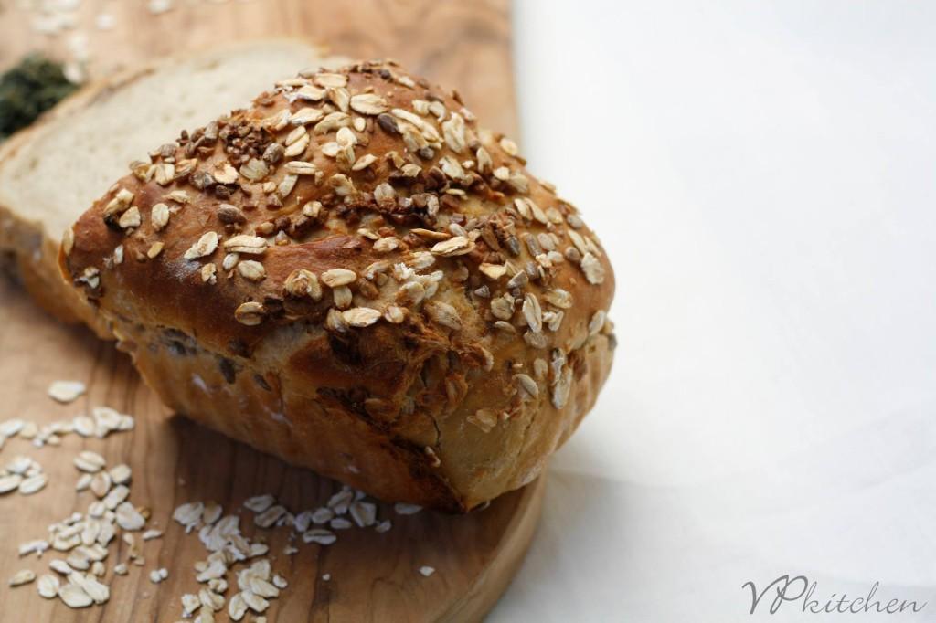 хляб с мащерка/bread with thyme